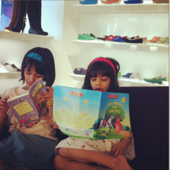 Diya and her sister Aanya like to carry books everywhere they go.